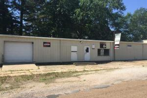 Commercial building located just off the Kosciusko Court Square - Attala County MS