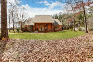 Beautiful Rankin Co custom home with acreage. - Rankin County MS