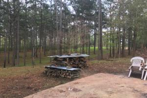 Busy Corner Road Retreat in Amite, MS (15 of 25)
