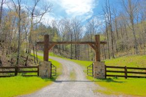 Pine Valley Lodge and Lake Retreat - Chilton County AL