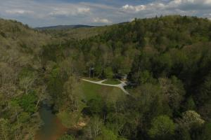 Cumberland Mountain Off Grid Retreat - Scott County TN