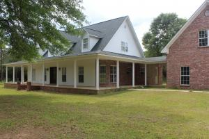Beautiful Country home outside of Hattiesburg - Jefferson Davis County MS