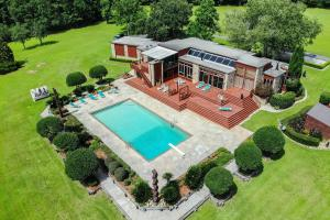 Newman Road Large Contemporary Home with Acreage - Mobile County AL