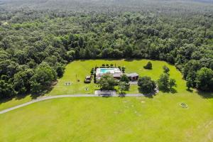 Newman Road Large Contemporary Home with Acreage in Mobile, AL (86 of 90)