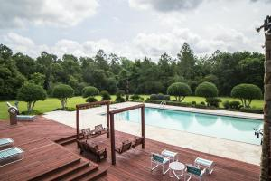 Newman Road Large Contemporary Home with Acreage in Mobile, AL (84 of 90)