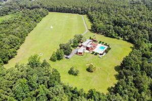 Newman Road Large Contemporary Home with Acreage in Mobile, AL (88 of 90)