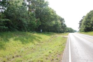 <p>Highway Frontage on Hwy 1057</p>