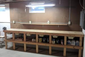 <p>Built in workbench!</p>