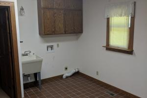 <p>Fantastic Mud/Laundry room</p>