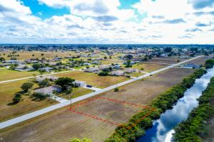 Waterfront Lot, Wide Canal - Lee County FL