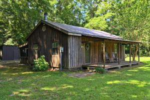 The Pea River Camp Retreat - Dale County AL