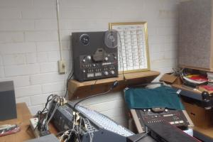 Another picture of recording studio.   (3 of 11)