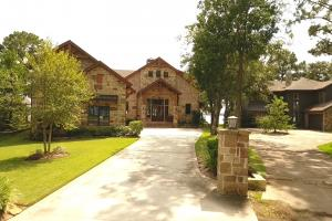 Live in a Barn! - Waterfront Point Lot - Lake Conroe in Montgomery, TX (7 of 30)