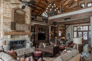 Live in a Barn! - Waterfront Point Lot - Lake Conroe in Montgomery, TX (21 of 30)