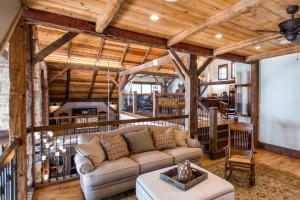 Live in a Barn! - Waterfront Point Lot - Lake Conroe in Montgomery, TX (17 of 30)