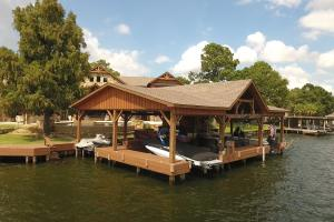 Live in a Barn! - Waterfront Point Lot - Lake Conroe in Montgomery, TX (13 of 30)