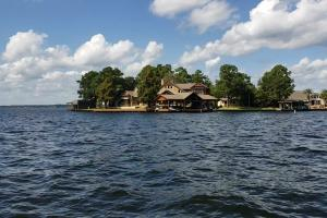 Live in a Barn! - Waterfront Point Lot - Lake Conroe in Montgomery, TX (4 of 30)