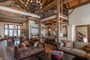 Live in a Barn! - Waterfront Point Lot - Lake Conroe in Montgomery, TX (23 of 30)