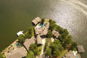 Live in a Barn! - Waterfront Point Lot - Lake Conroe in Montgomery, TX (5 of 30)