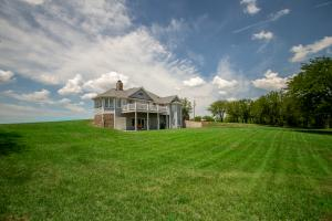 Burlingame Dream Home and Acreage in Osage, KS (9 of 73)