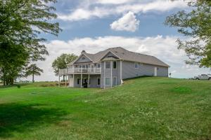Burlingame Dream Home and Acreage in Osage, KS (4 of 73)