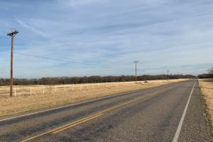 Approximately 4000 Sq.Ft. of FM 35 road frontage (21 of 21)