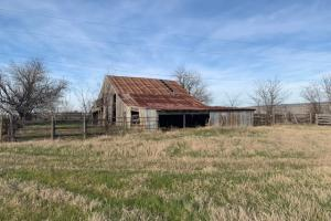 Nice size barn in Royse City (3 of 21)