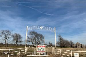 Private entry on 108 acres in Royse City (16 of 21)