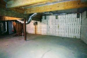 <p>Quality construction was conducted on this unfinished basement and now awaits new opportunity.</p>