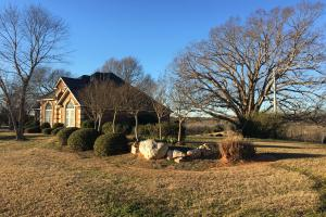 Beautiful Home Overlooking Pastures & Ponds in Abbeville, SC (14 of 74)