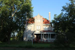 Historic Home & Private Lake Near Carthage in Jasper, MO (4 of 80)