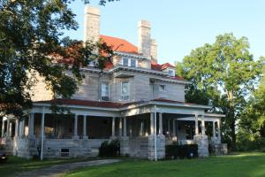 Historic Home & Private Lake Near Carthage in Jasper, MO (3 of 80)