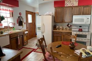Beautiful Family Home on Large Lot in Walworth, SD (6 of 16)