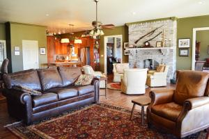 Rock Creek Equestrian Estate with Custom Home in Lawrence, AL (15 of 56)