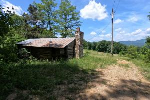 Mountain Pasture with Panoramic Views and Waterfalls - Henderson County, NC