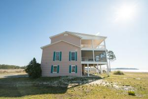 Bath Homestead on Pamlico River  in Beaufort, NC (5 of 50)