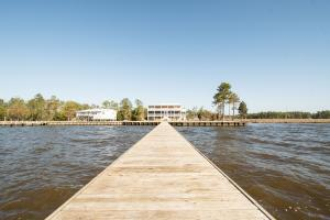 Bath Homestead on Pamlico River  in Beaufort, NC (10 of 50)