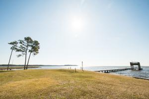 Bath Homestead on Pamlico River  in Beaufort, NC (14 of 50)