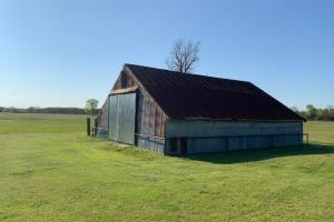 This barn offers its rustic charm, but can definitely serve it's purpose on the 230 ac ranch North of Eustace.  (39 of 48)