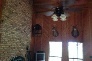 Fireplace and vaulted ceilings (23 of 29)