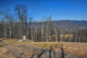 Panoramic views from unrestricted acres minutes to Asheville in Buncombe, NC (16 of 19)