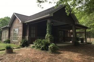 Beautiful 2BR/1BA Cabin (2 of 48)