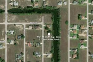 Wonderful Cape Coral Freshwater lot for sale!  in Lee, FL (2 of 5)