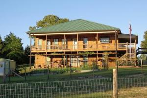 Lambert Lake Home and Private Hunting Retreat - Marion County GA