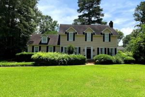 Two Story Home on Pecan Blvd in Kosciusko - Attala County MS