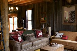 Stunning Cabin and Strip Pit Getaway in Vernon, MO (6 of 57)