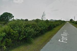 Great Port Charlotte lot! in Charlotte, FL (3 of 5)