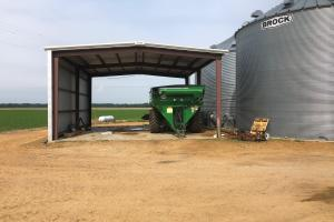 Shed and Grain bins (4 of 9)