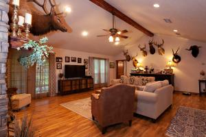 Sprawling 346 acre Ranch and Homesite in Tyler, TX (5 of 50)