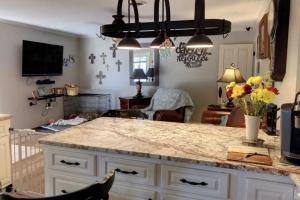 Granite Counter Tops  (5 of 30)